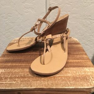 4bb789ce60e2 Tory Burch Shoes - BRAND NEW! Tory Burch Kailey Wedge Thong sandals